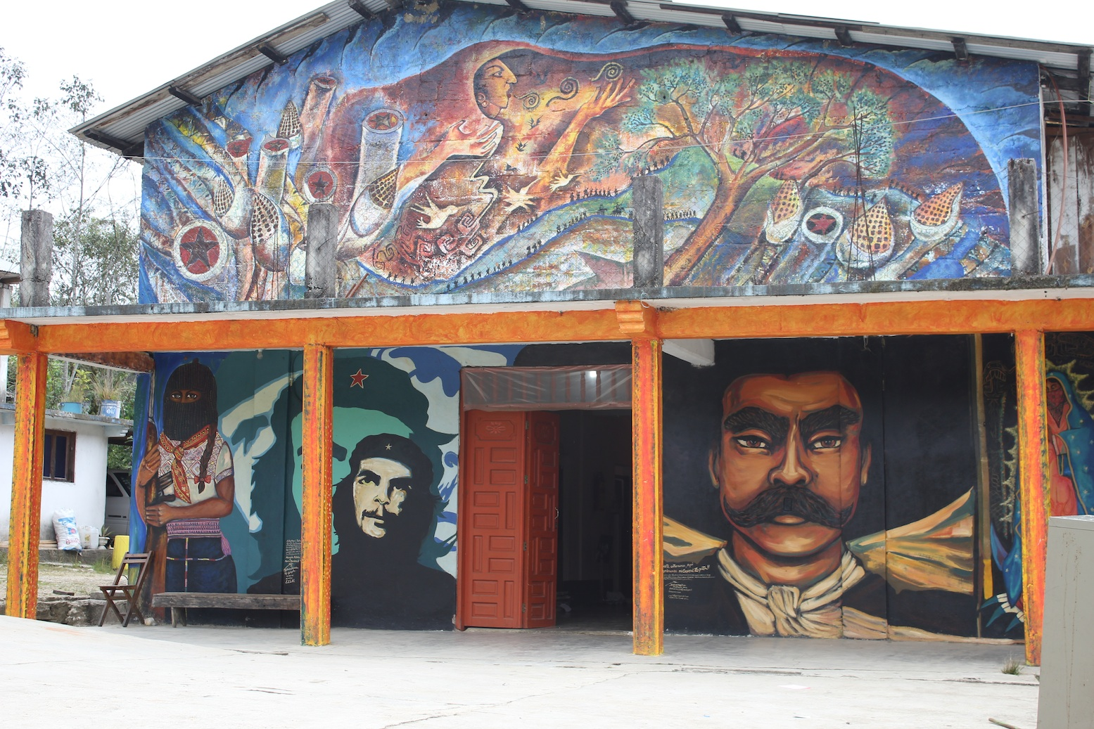 Art enlivened learning for Mural zapatista